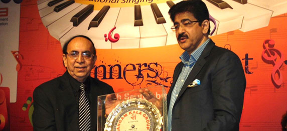 Sandeep Marwah Honored by Sangam Kala Group