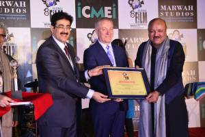 Arun Bakshi Honored at 8th GFFN
