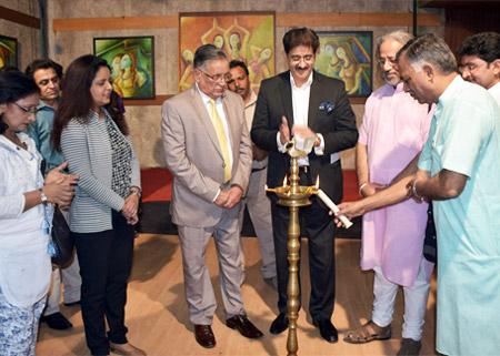 Inauguration of Paintings by Beenu Gupta